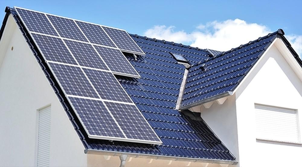 Zonnepanelen op jouw dakkapel: waar moet je op letten?